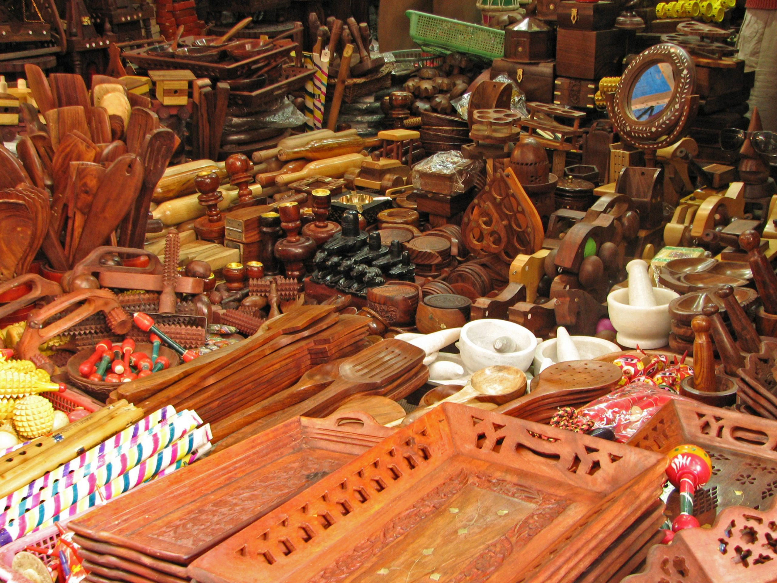 Where to Shop and What to Buy? Sandalwood Products