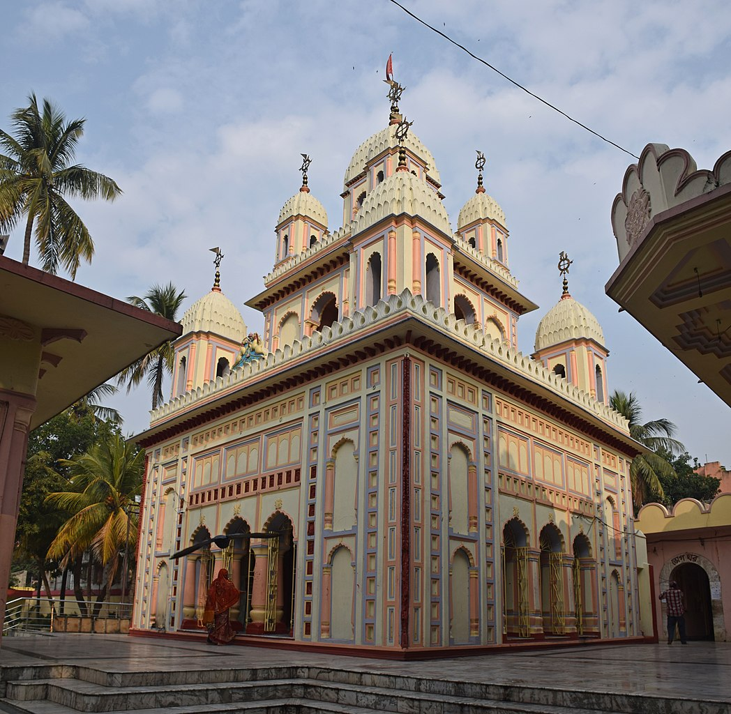 Place Near Serampore That Are Perfect for Weekend Getaways-Bardhaman, Sarbamangala temple
