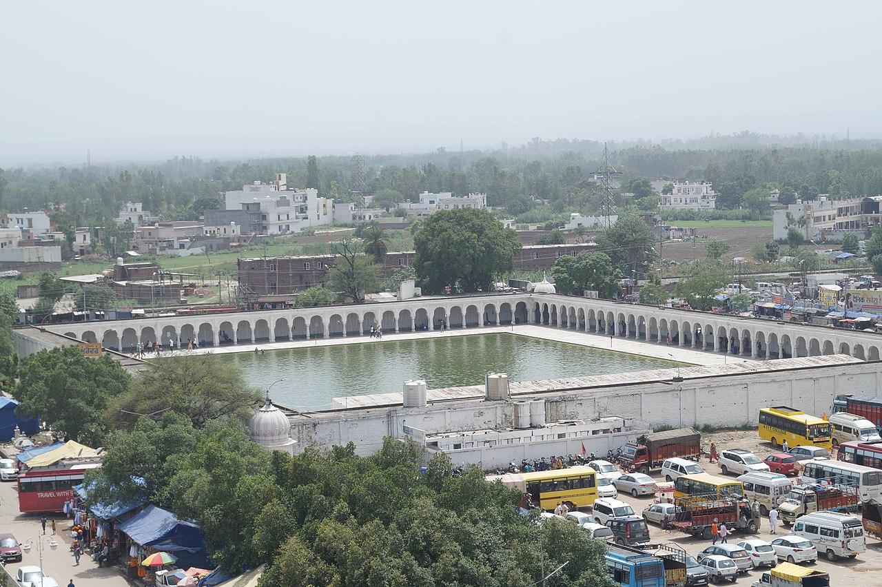 Place to Visiting In Anandpur Sahib-Sarovar Anandpur Sahib