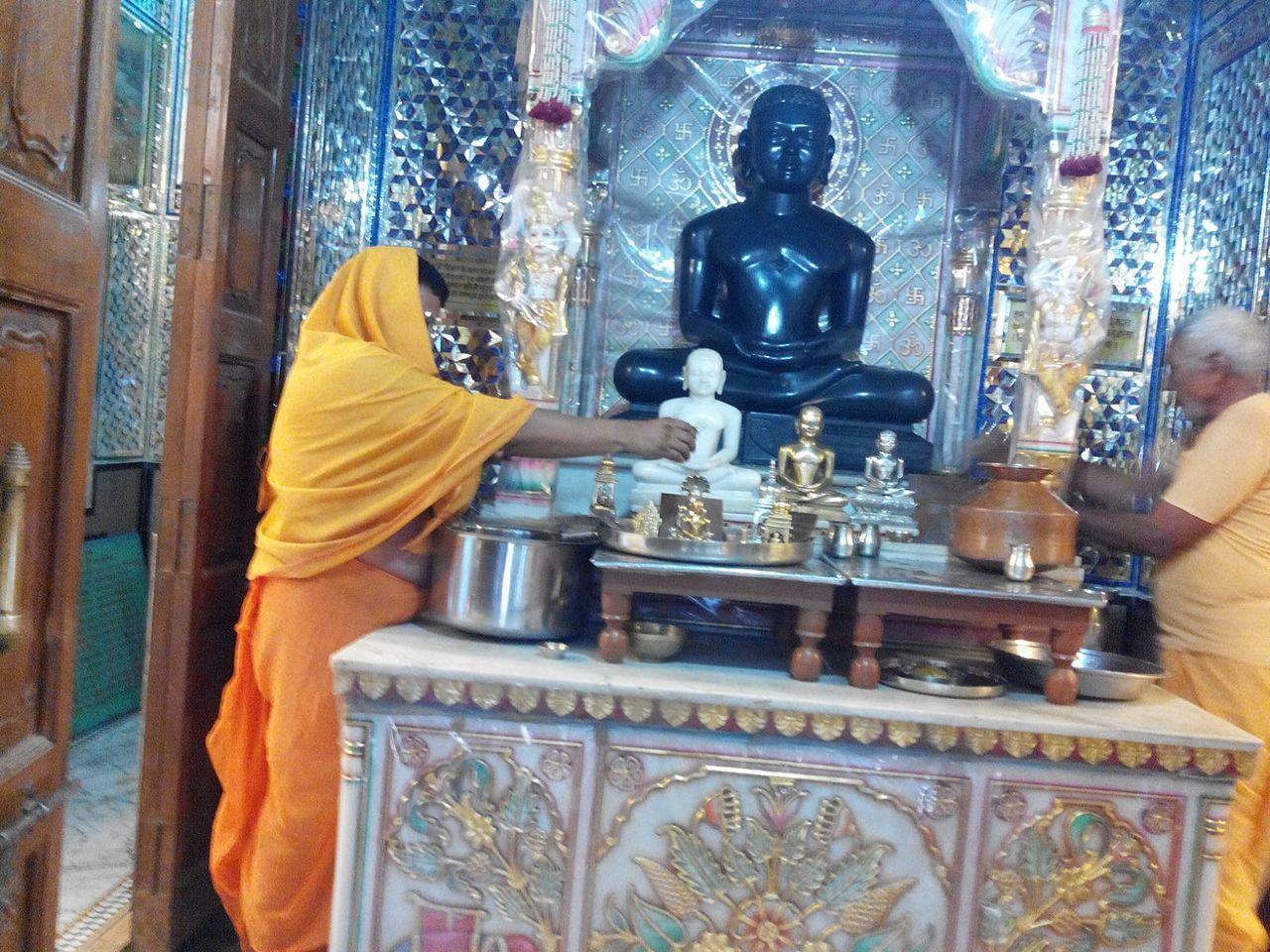 Best Place to Visit Near Ambaji Temple-Shri Neminatha Bhagwan Jain Temple
