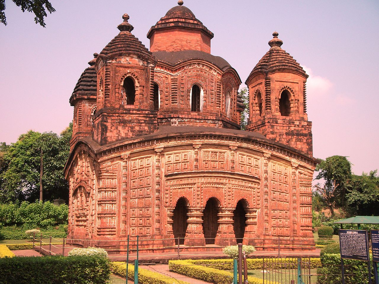 Amazing Renowned Temple in West Bengal-Shyam Ray Temple