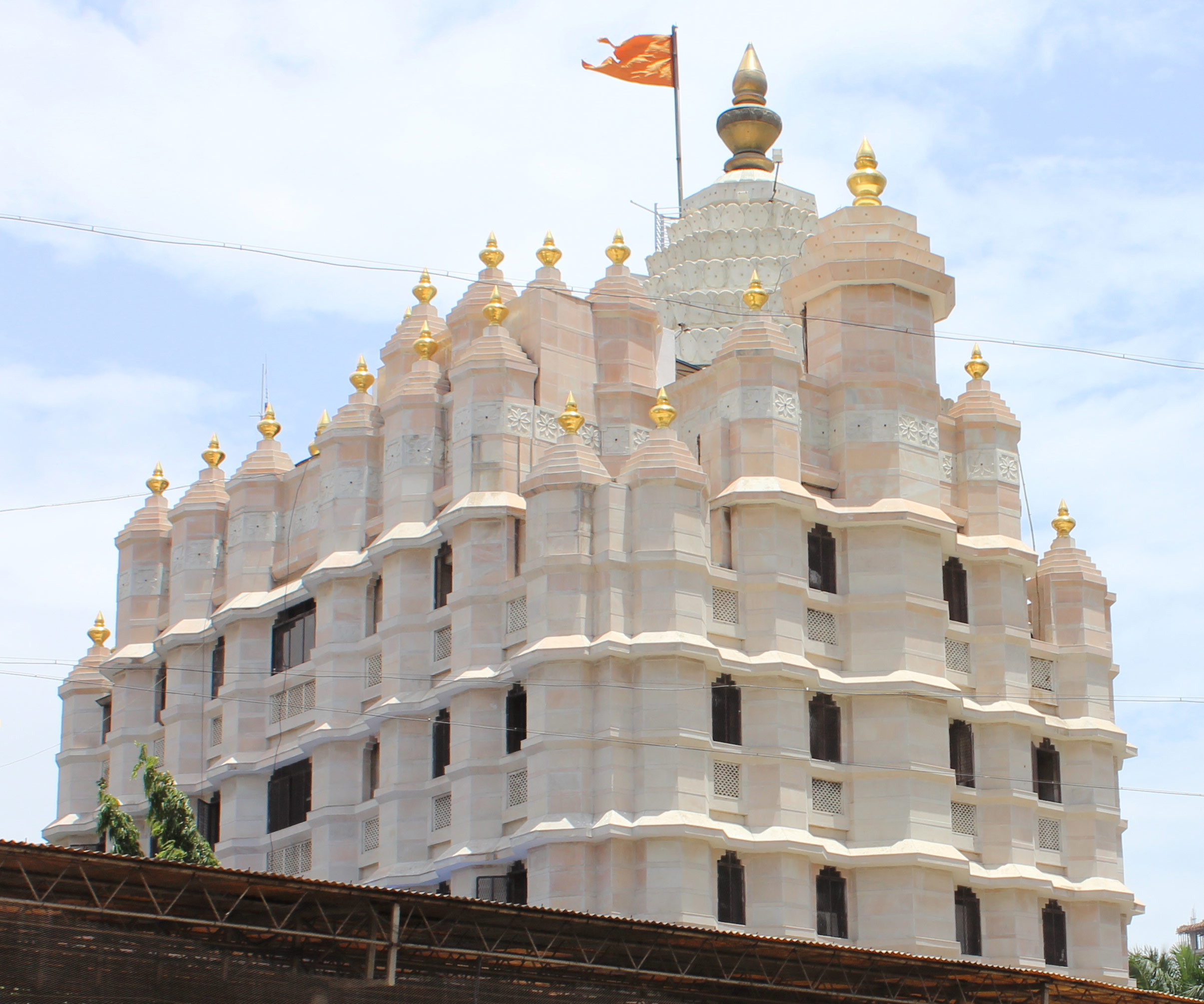 Siddhivinayak Temple in Prabhadevi - The Most Famous Temple of Mumbai