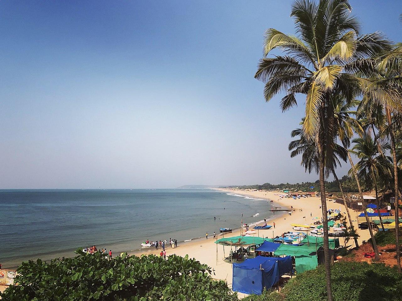 Sinquerim Beach - Amazing Beach in Goa For Watching Dolphins