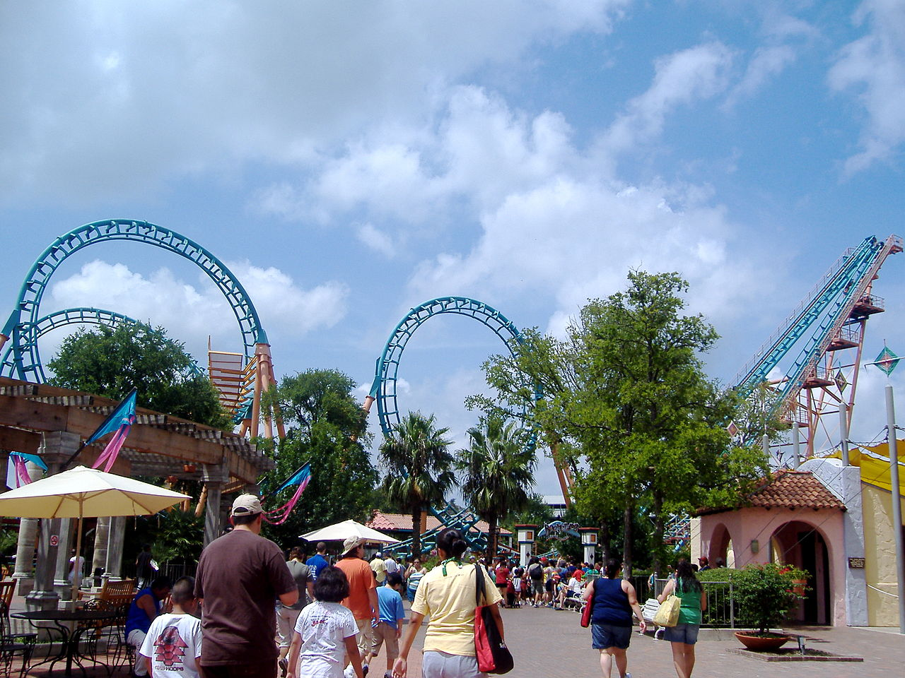 Top Outdoor Activities Options In San Antonio-Six Flags Fiesta Texas