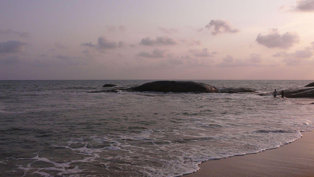 Amazing Tourist Destination In Coastal Karnataka-Someshwara Beach (Mangalore)