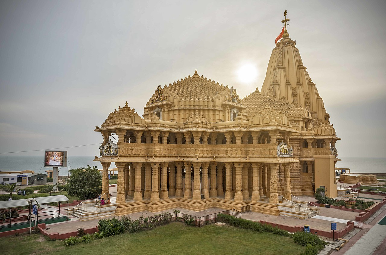 Best Place to Visit in Veraval-Somnath Mahadev Temple