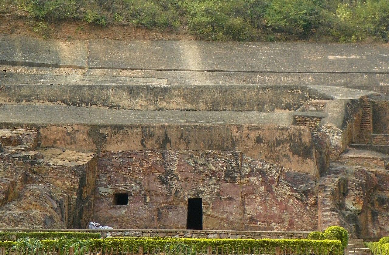 op Tour Place In Rajgir, Bihar-Sonbhandar Caves
