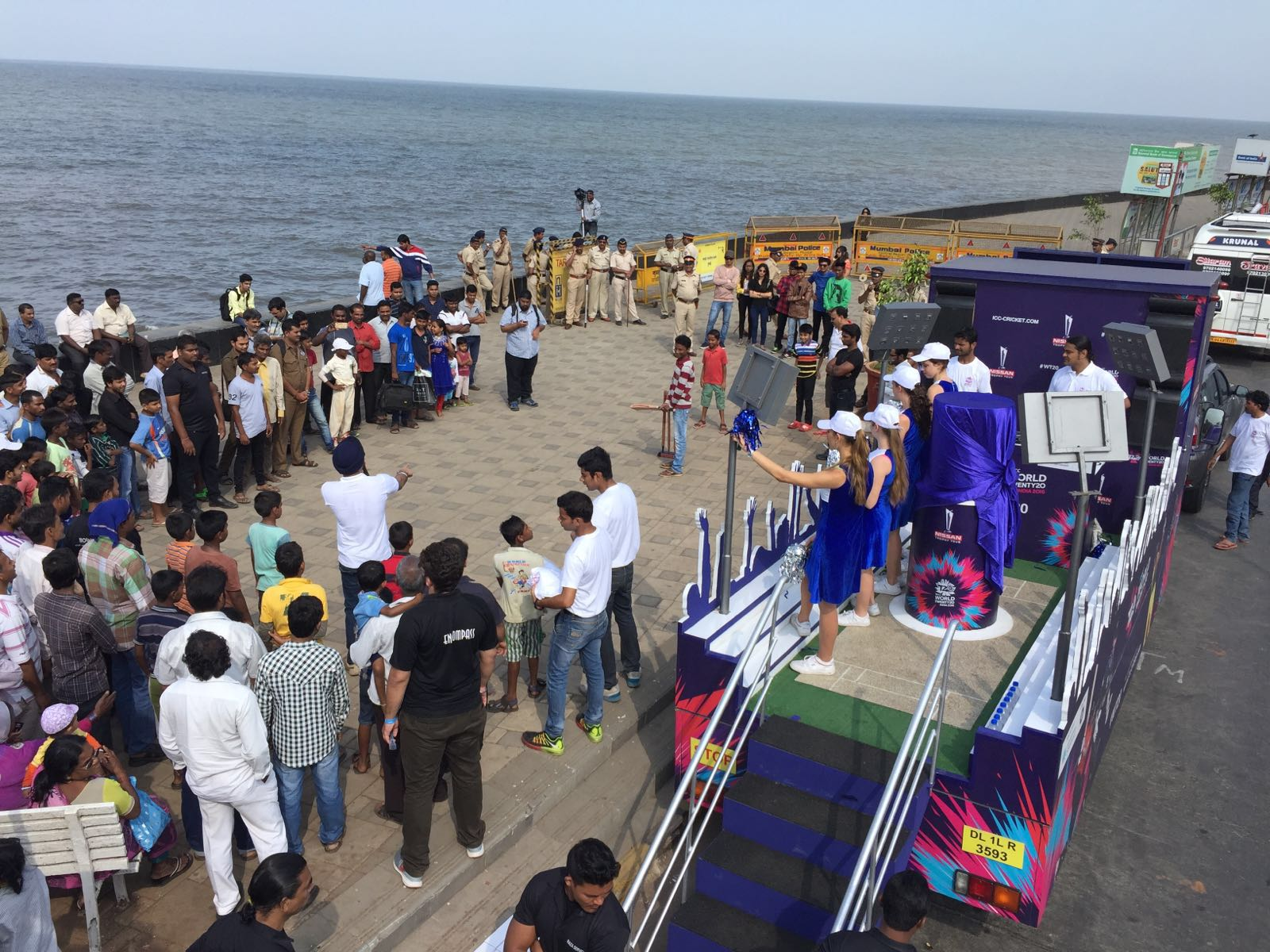Tips for a Worli Seaface Outing, You Might See Some Special Programs
