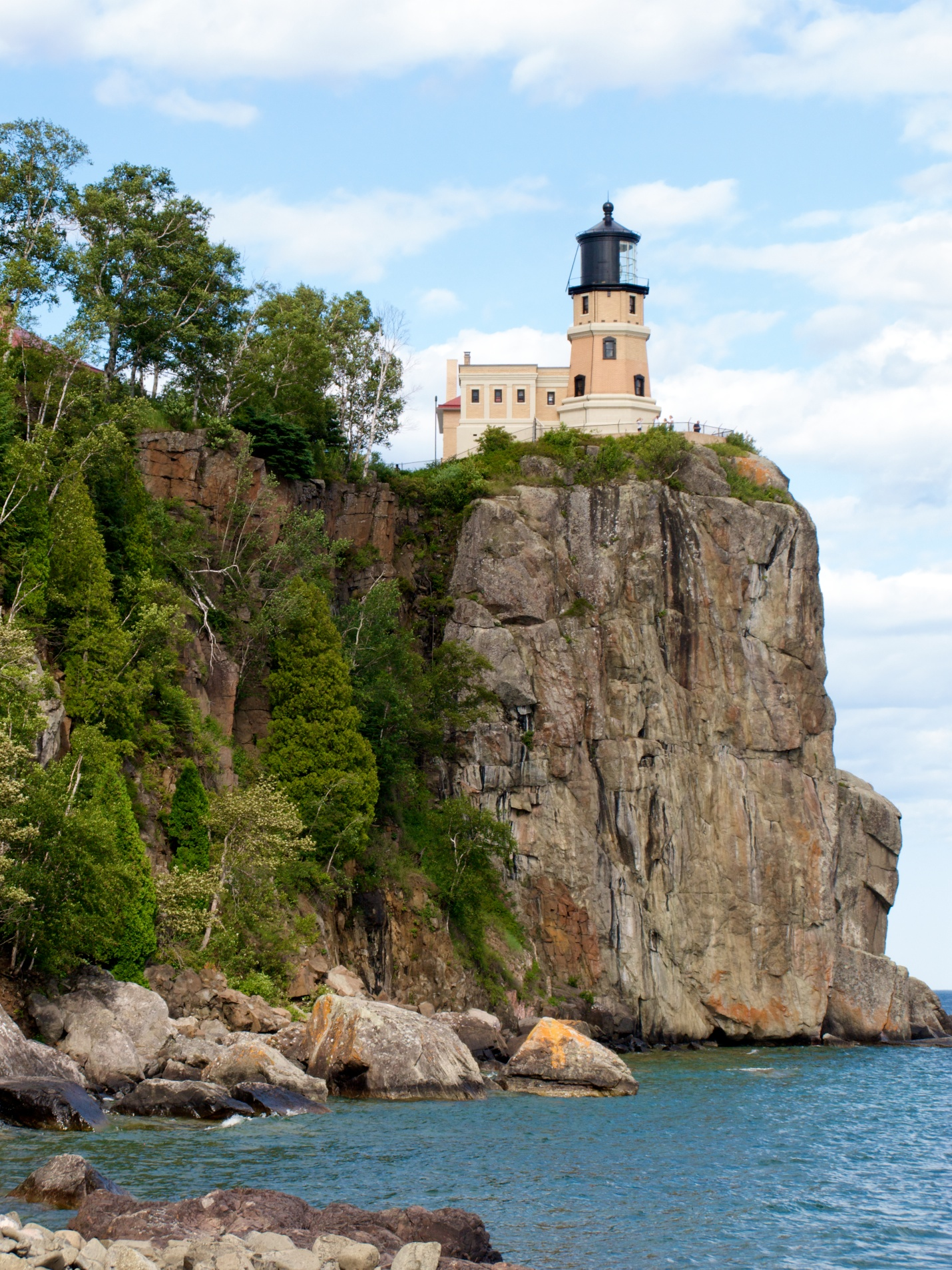 Incredible Place To Visit In Minnesota-Split Rock Lighthouse State Park
