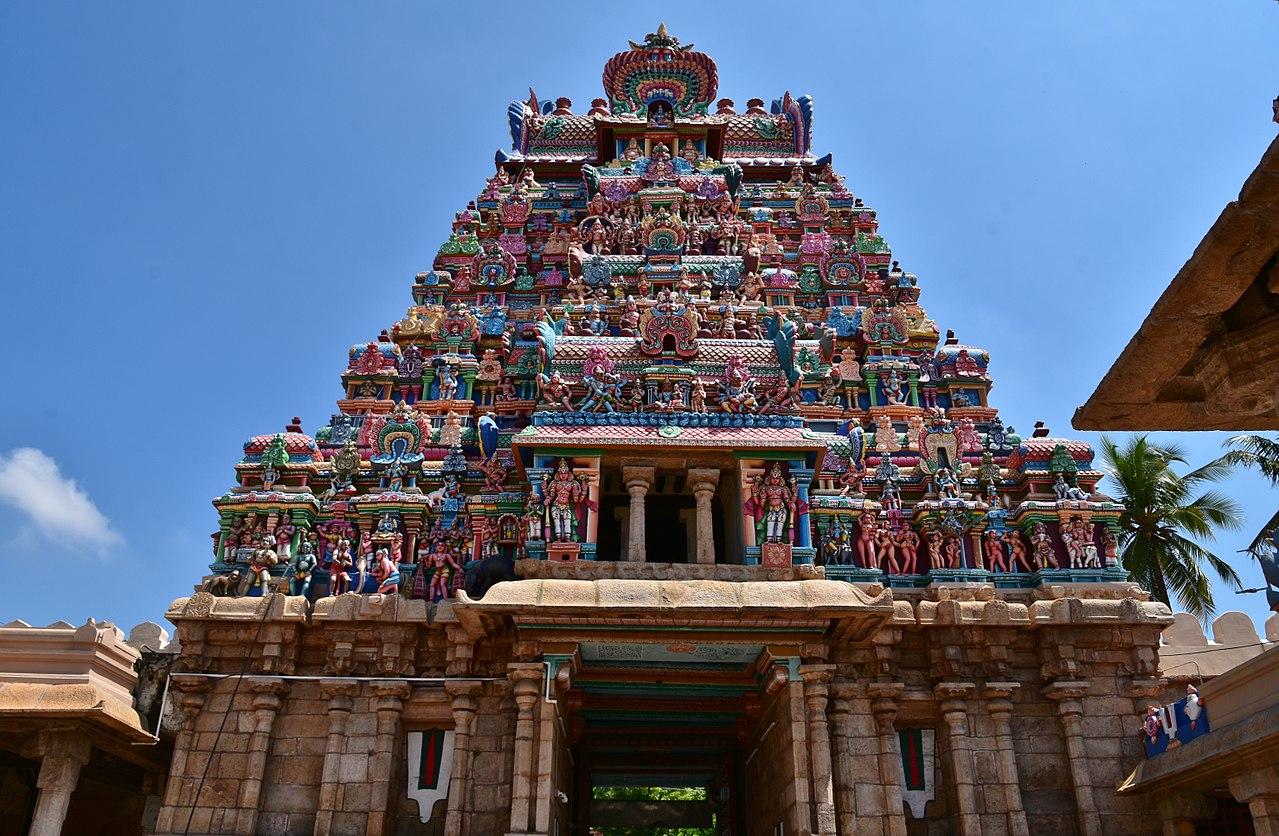 Visit Sri Ranganathaswamy Temple at Tiruchirapally -The Largest Functioning Hindu Temple