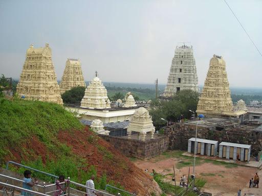 Place to Visit in Rajahmundry-Sri Venkateshwara Swamy Temple - Dwaraka Tirumala