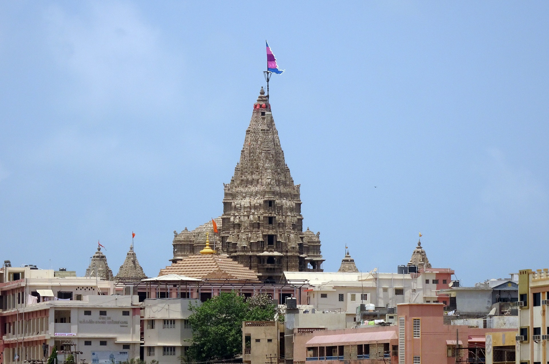The Best Hotels Near Dwarkadhish Temple in Dwarka