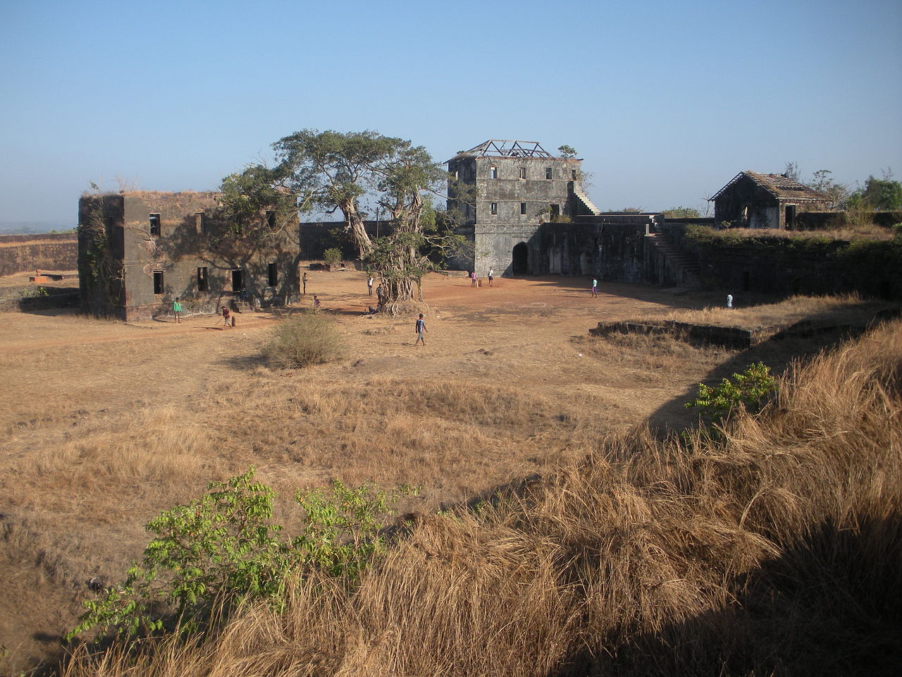 Structures Inside the Jaigad Fort