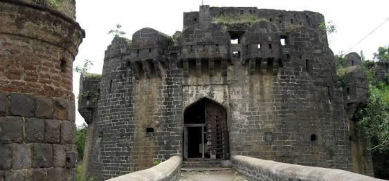 Structures Inside the Kharda Fort, Ahmednagar, Maharashtra