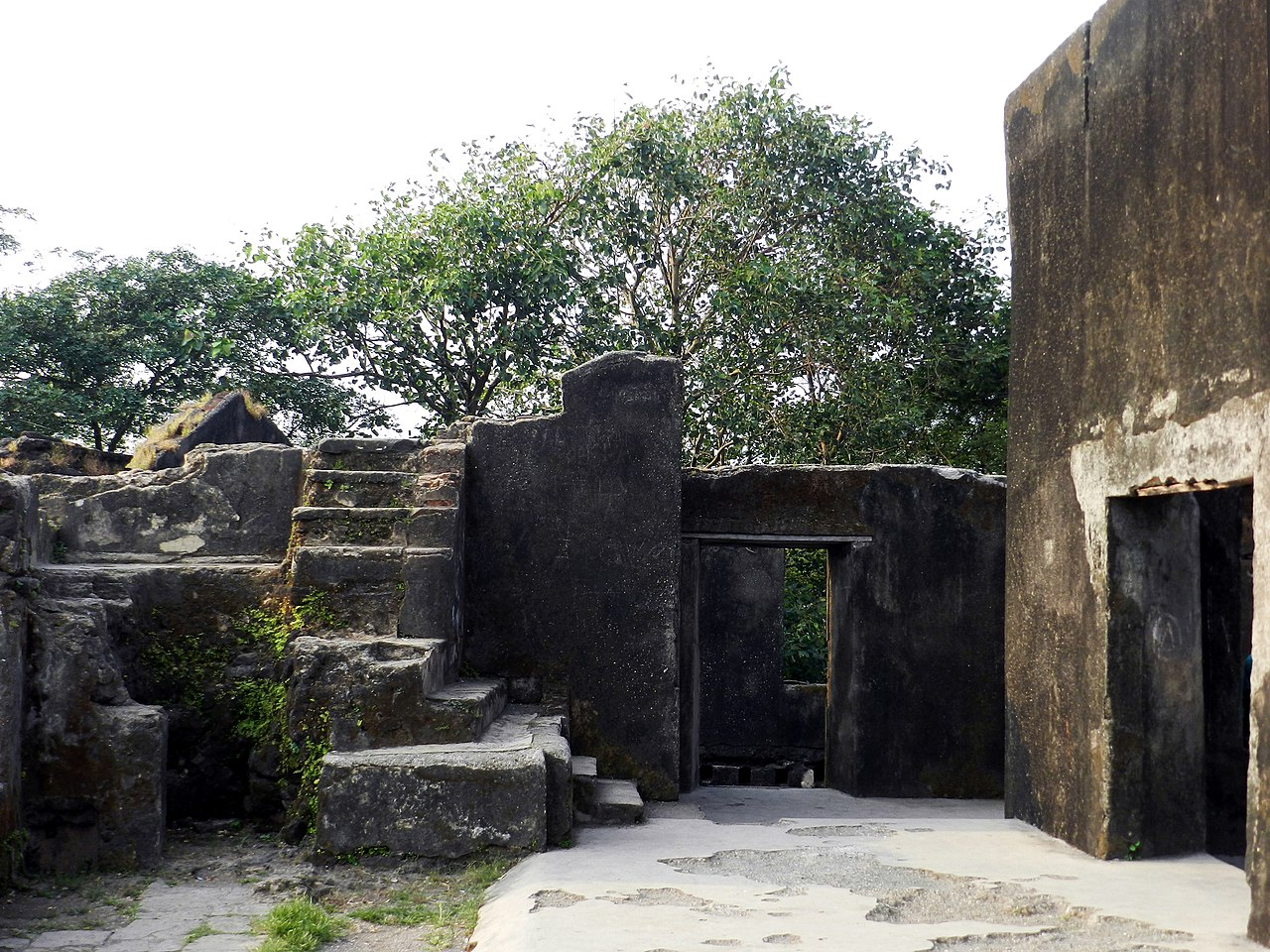 Structures Inside the Sion Fort