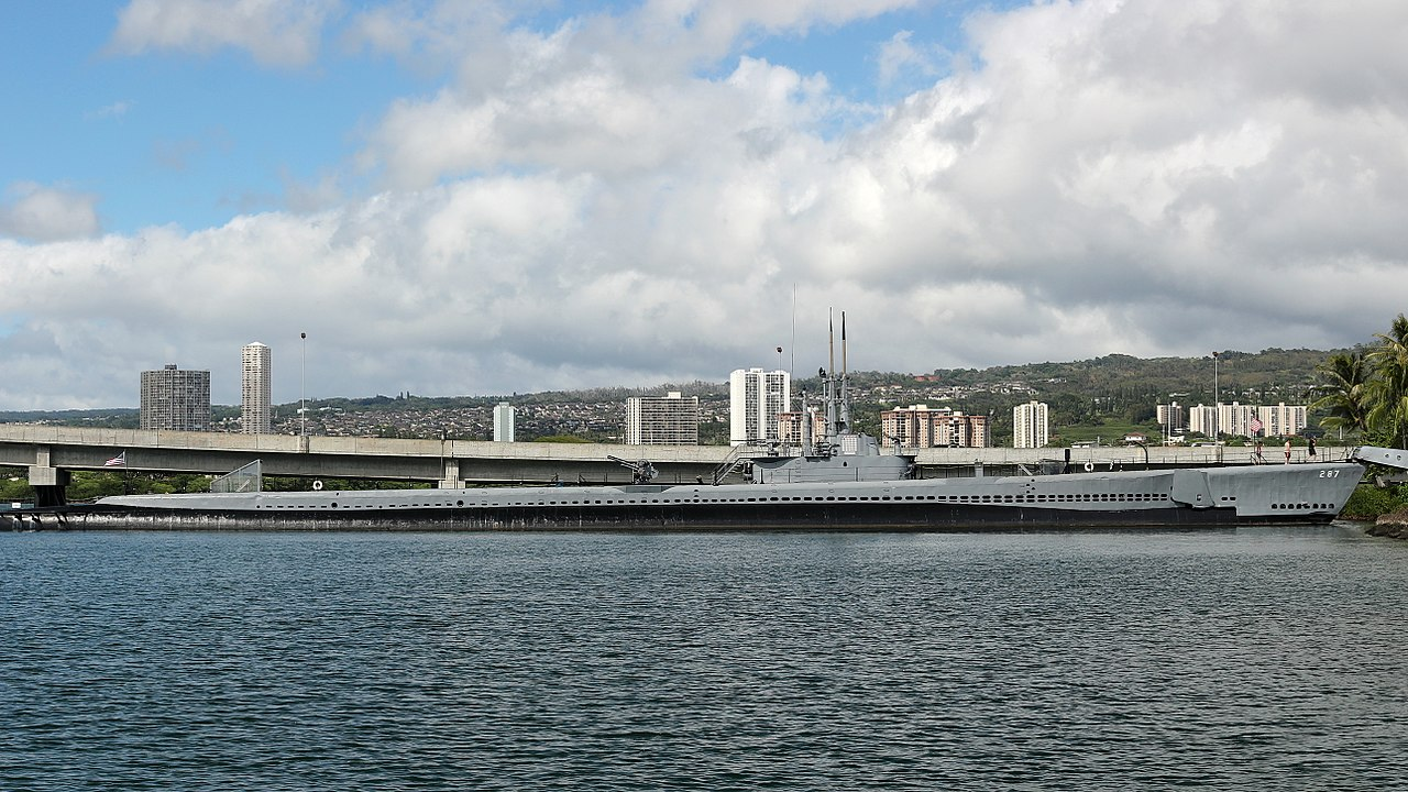 Top Tour Place In Honolulu-Submarine Museum