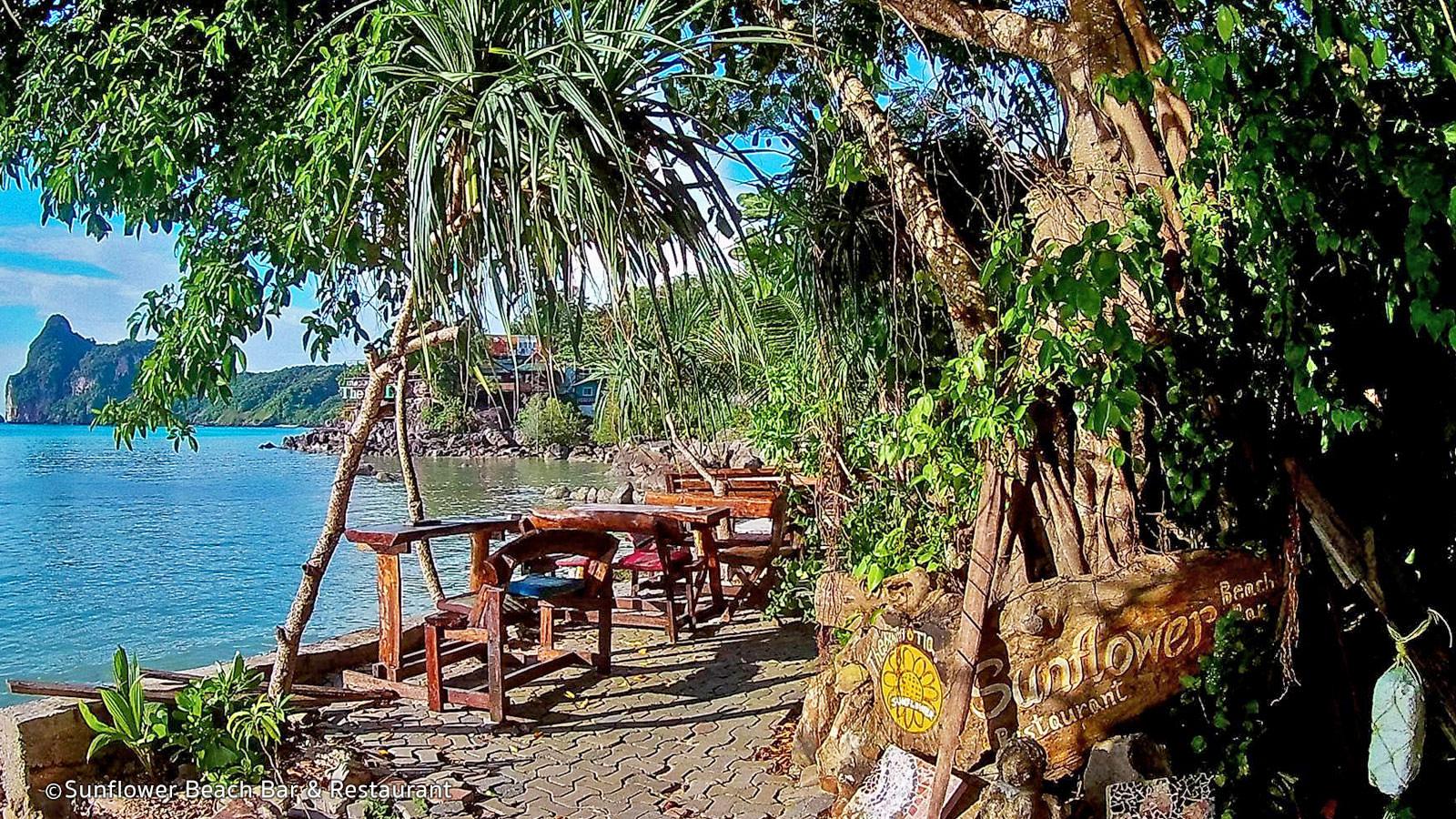 Top Phi Phi Nightlife Place-Sun Flower Beach Bar and Restaurant