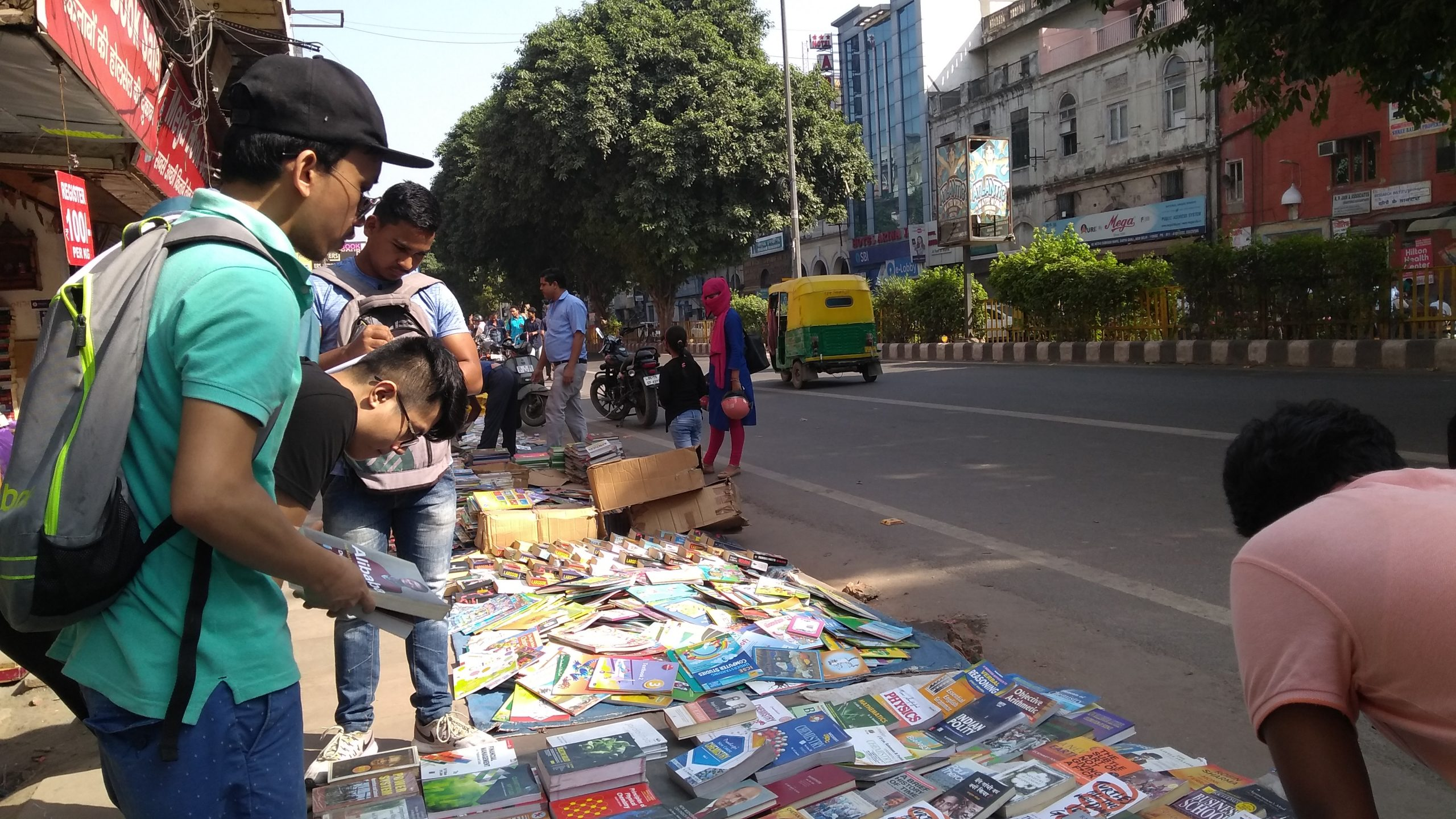 Sunday Second Hand Book Market to Shop in Delhi