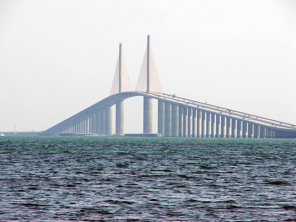 Amazing Place to Visit in St. Petersburg-Sunshine Skyway Bridge