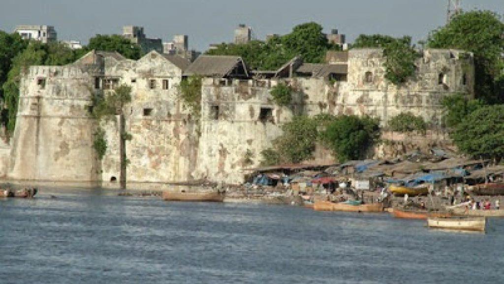 Surat Castle Travel Guide - The Fort Museum in Gujarat