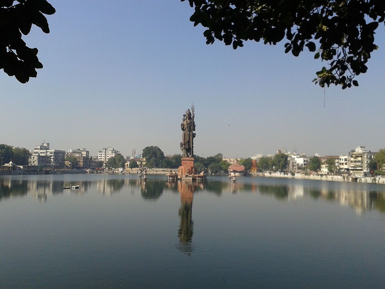 Top Sight-Seeing Destination To Visit In Vadodara-Sursagar Lake