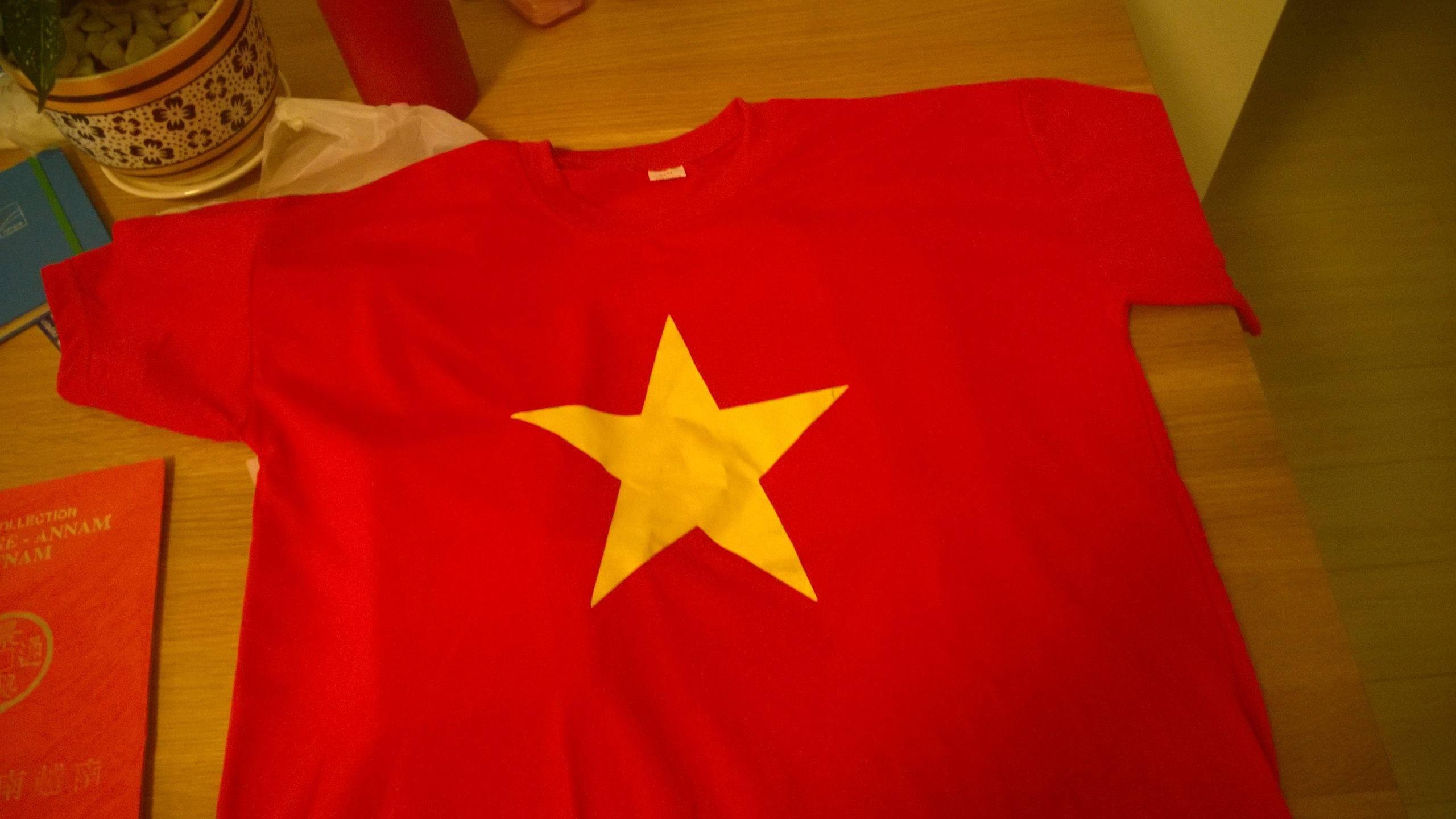 T-Shirts Can Buy In Vietnam