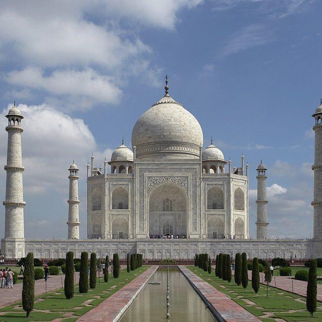 Taj Mahal, Agra - Amazing Tourist Destination in India