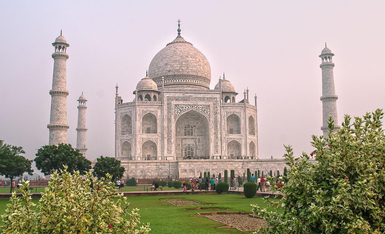 Popular Weekend Getaway from Gwalior-Taj Mahal in Agra
