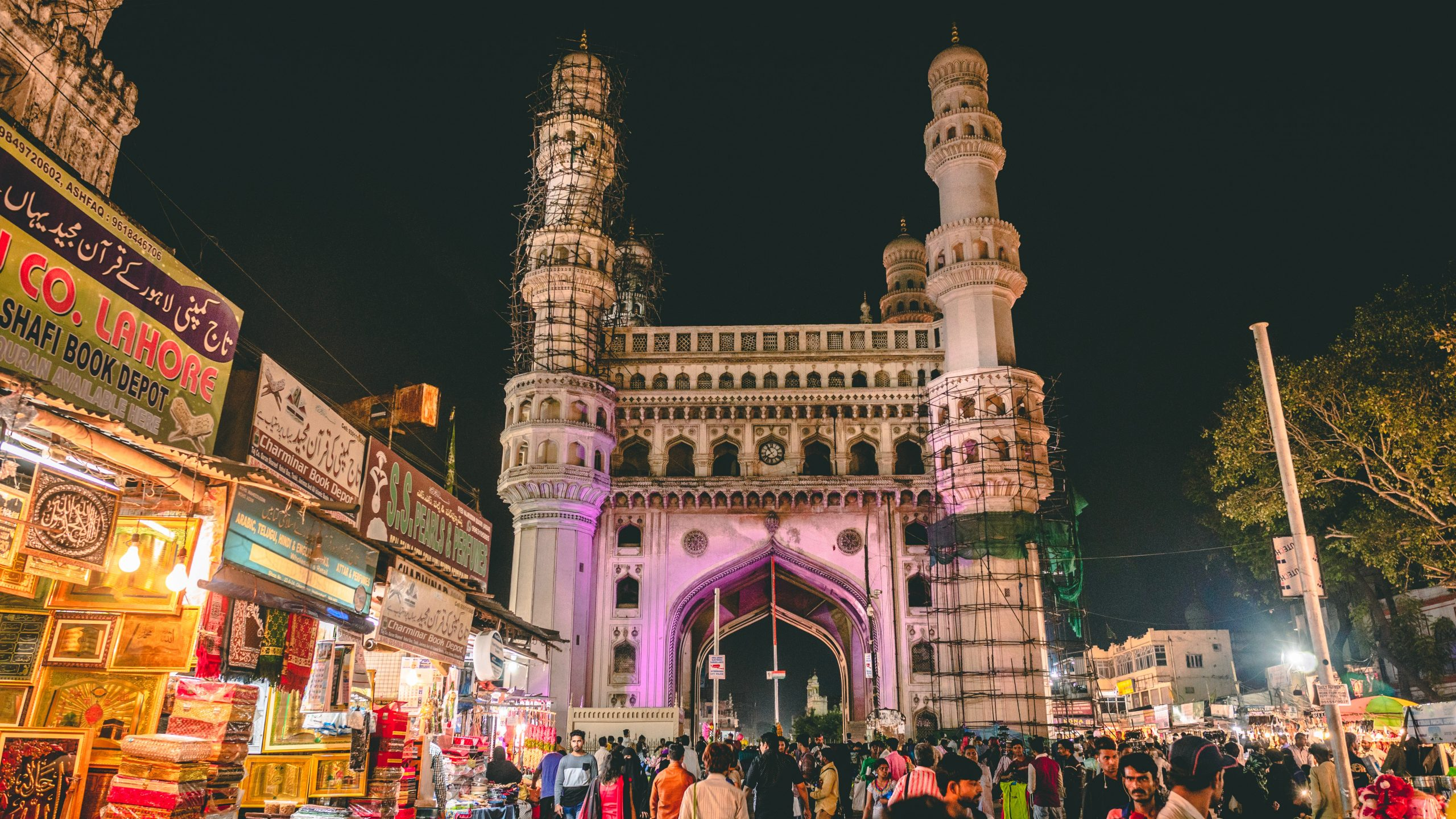 Take A Stroll Around The Famous Historical Monument-Charminar