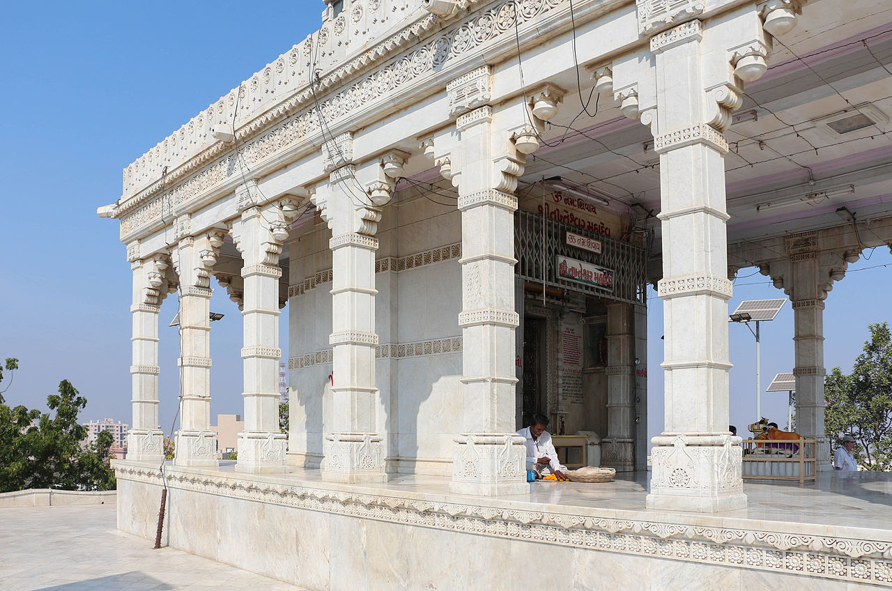 Place To Visit Near Ghogha Beach, Takhteshwar Temple