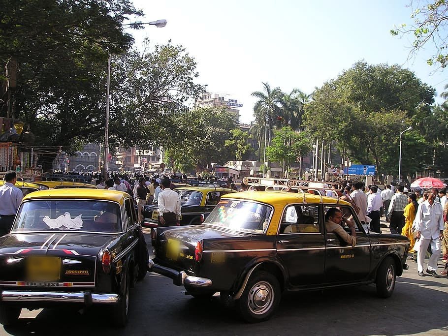 The Best Options to Get Around Goa - Taxis