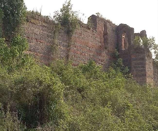 Amazing Place to Visit In Sahibganj, Jharkhand-Teliagarhi Fort