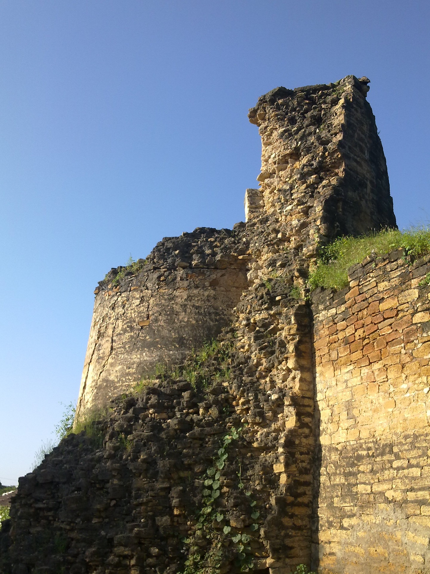Place Can Visit In The Tera Village-Tera Fort