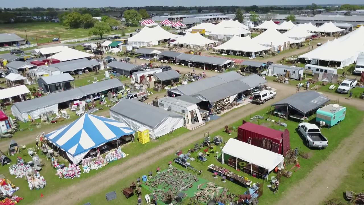 Finest Flea Markets In Texas-Texas Antique Weekend
