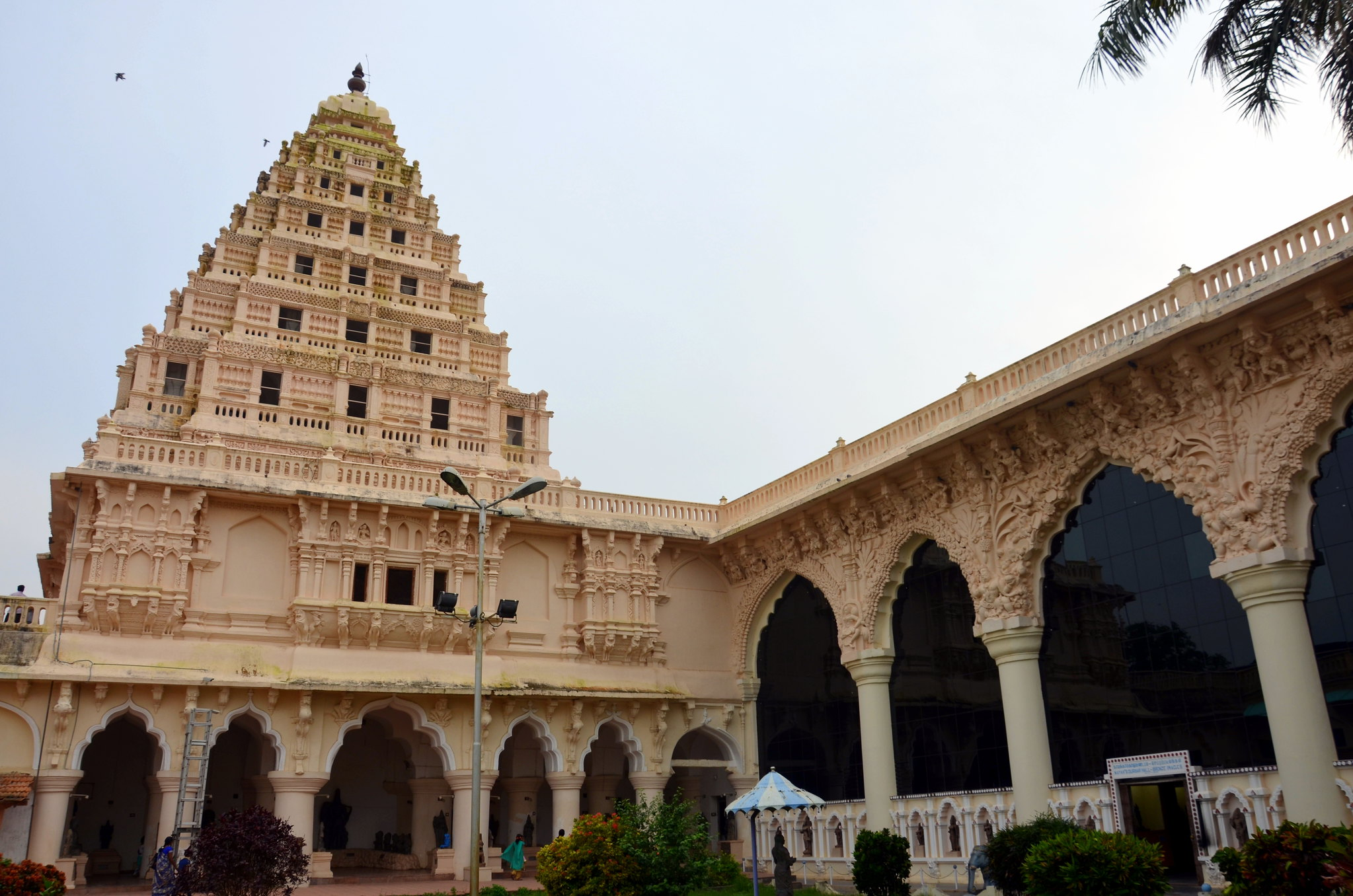 Amazing Tourist Place in Thanjavur-Thanjavur Maratha Palace