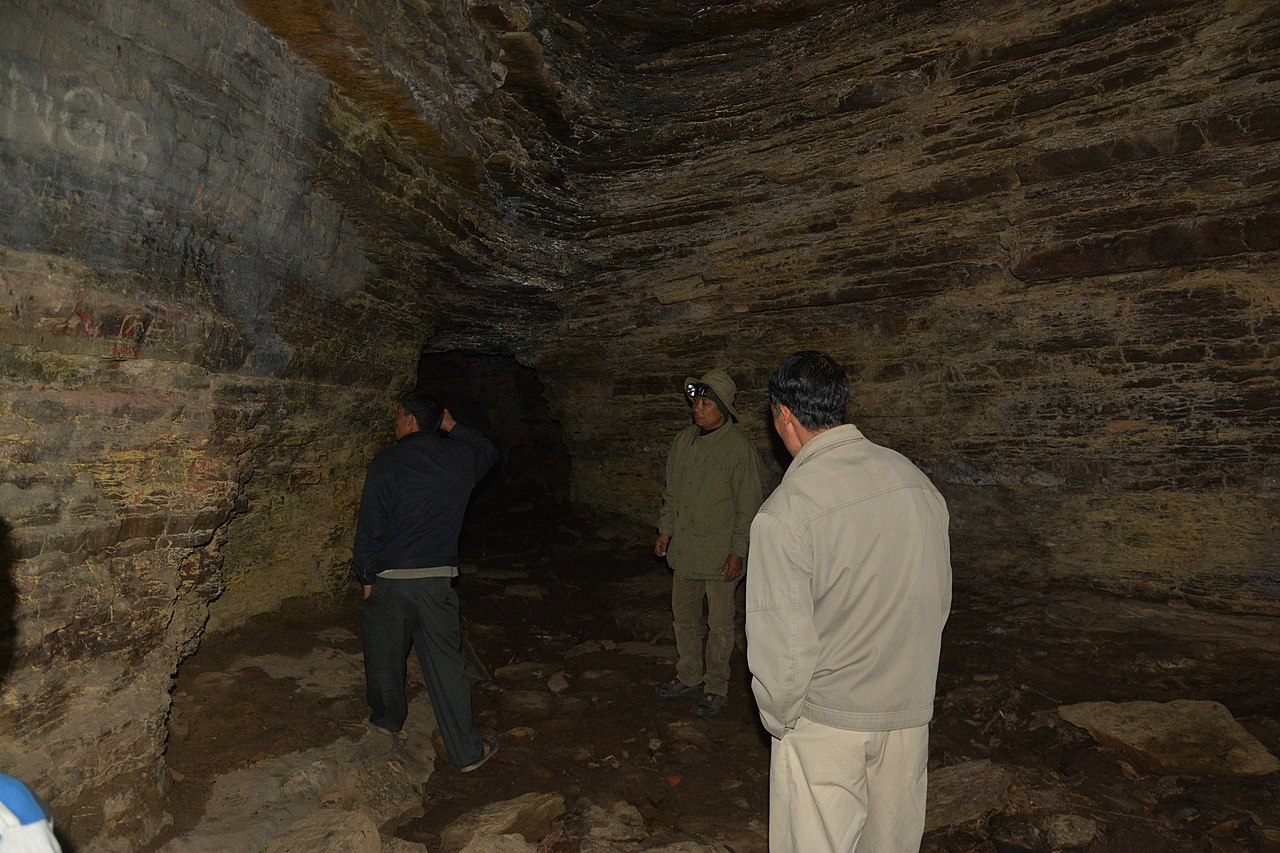 Manipur Tourism Place, Sightseeing Heritage Sites of Manipur-Tharon Cave