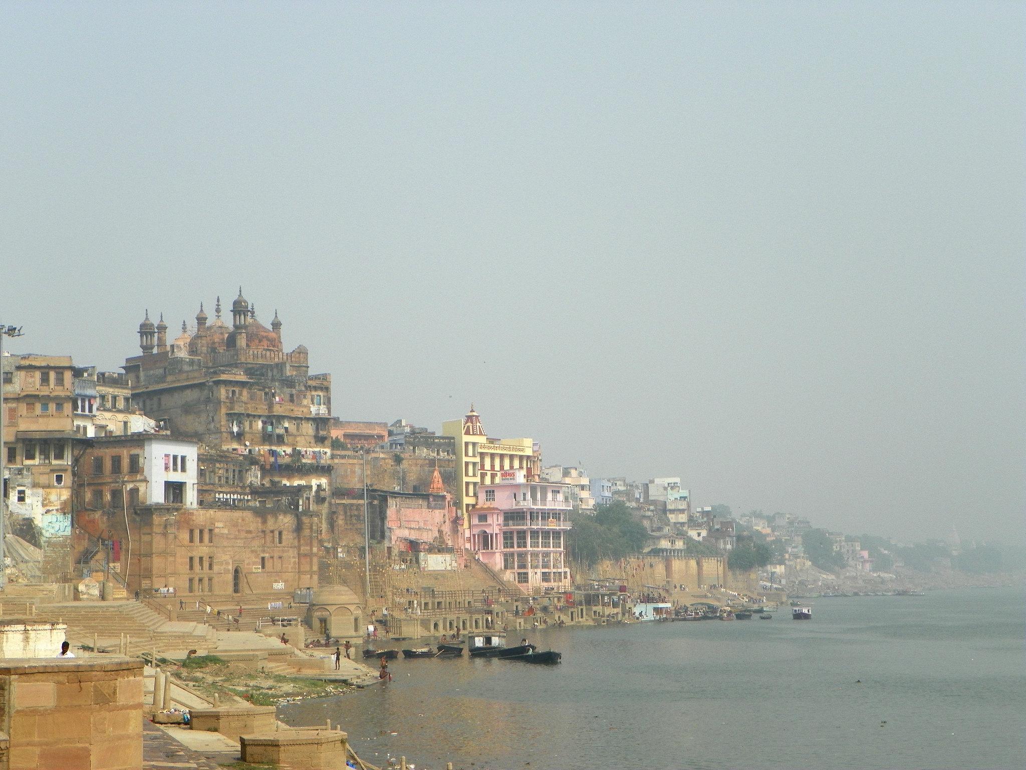 Top Tourist Place at Kashi Vishwanath Temple-The Banks of River Ganga