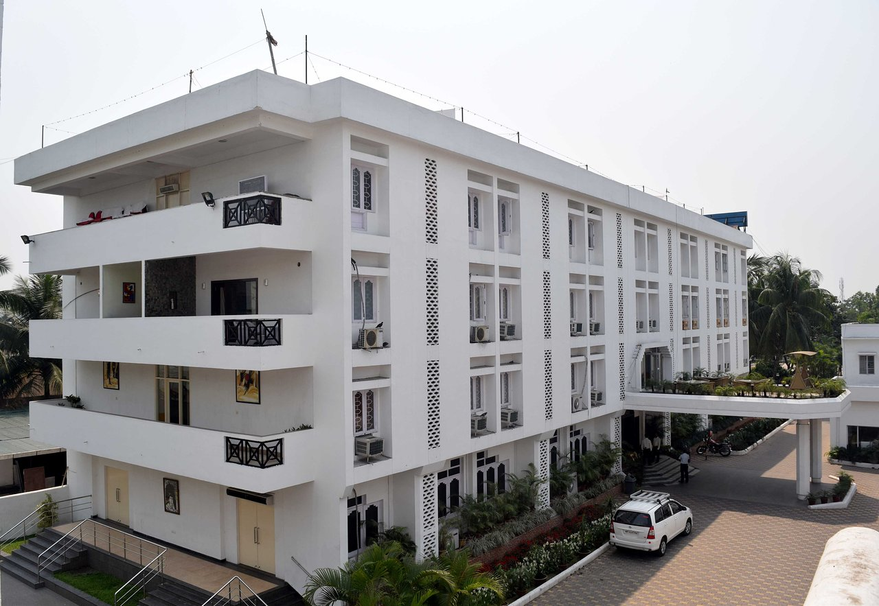 The Cinderella - Best Midrange Hotels In Siliguri
