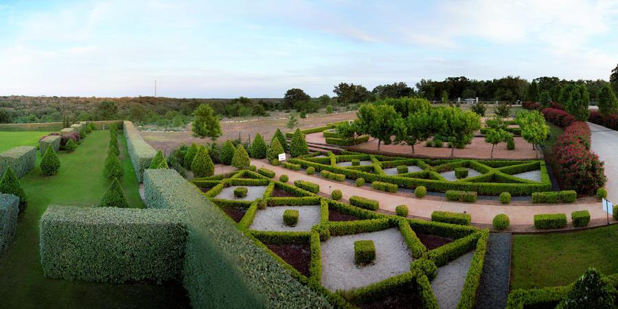 Attractive Wedding Venue In San Antonio-The Gardens of Cranes Bury View