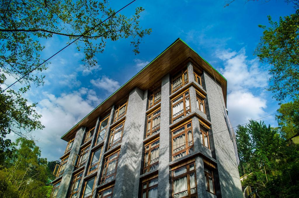 The Golden Crest Hotel Best Budget and Luxury Hotel To Stay In Gangtok