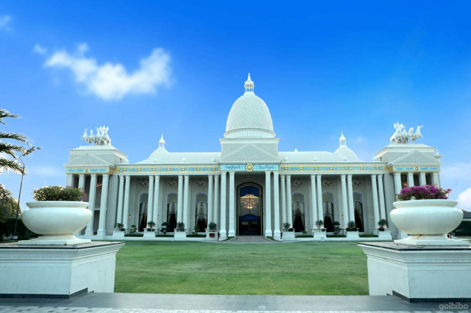 Best Best Luxury Hotel in Indore-The Grand Bhagwati Palace