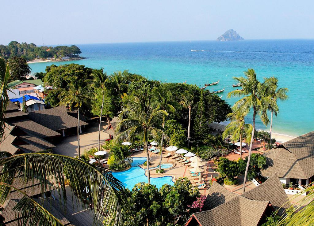 The Holiday Inn - Popular Resort and Hotel For Your Trip to Phi Phi Island