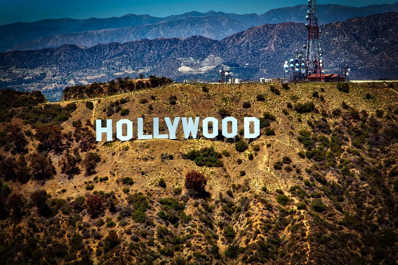 Amazing Destination to Visit In Los Angeles-The Iconic Hollywood Sign in Los Angeles
