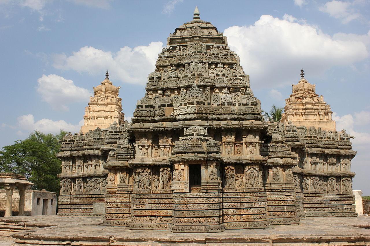 Best Place to Visit Near the Chennakesava Temple in Belur-The Lakshmi Narasimha Temple