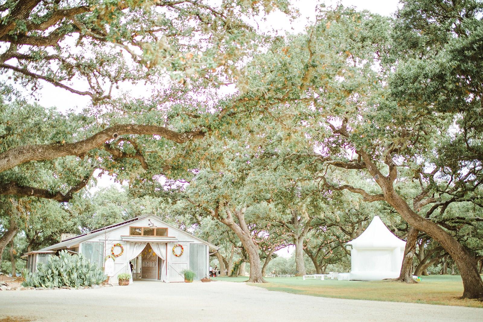 Amazing Wedding Venue In San Antonio-The Oaks at Boerne