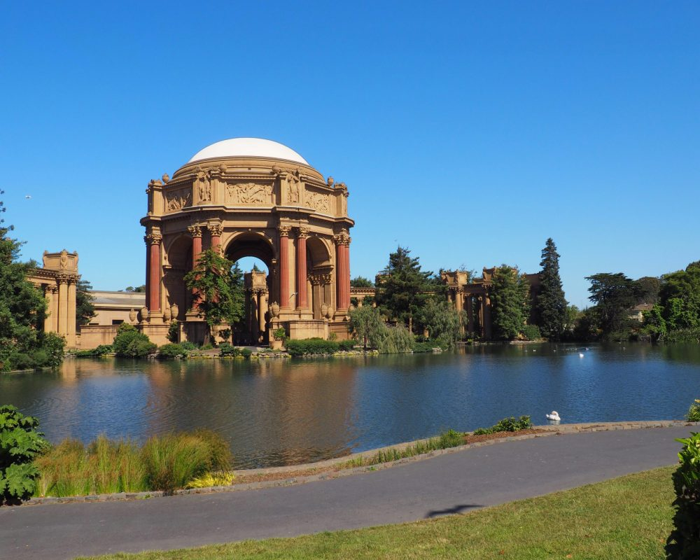 The Palace of Fine Arts in San Francisco - A Beautiful Place to Visit in SF