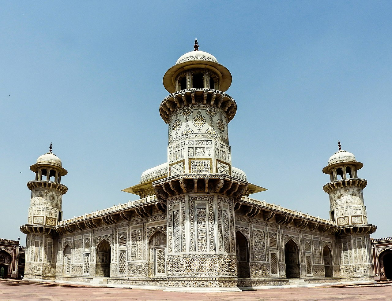 The Story Behind The Construction Of Itmad Ud Daula