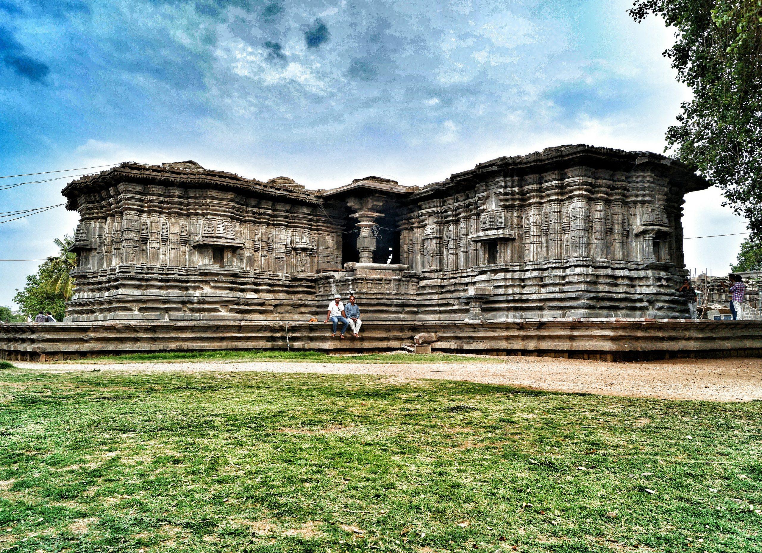 Thousand Pillar Temple Place to Visit in Warangal