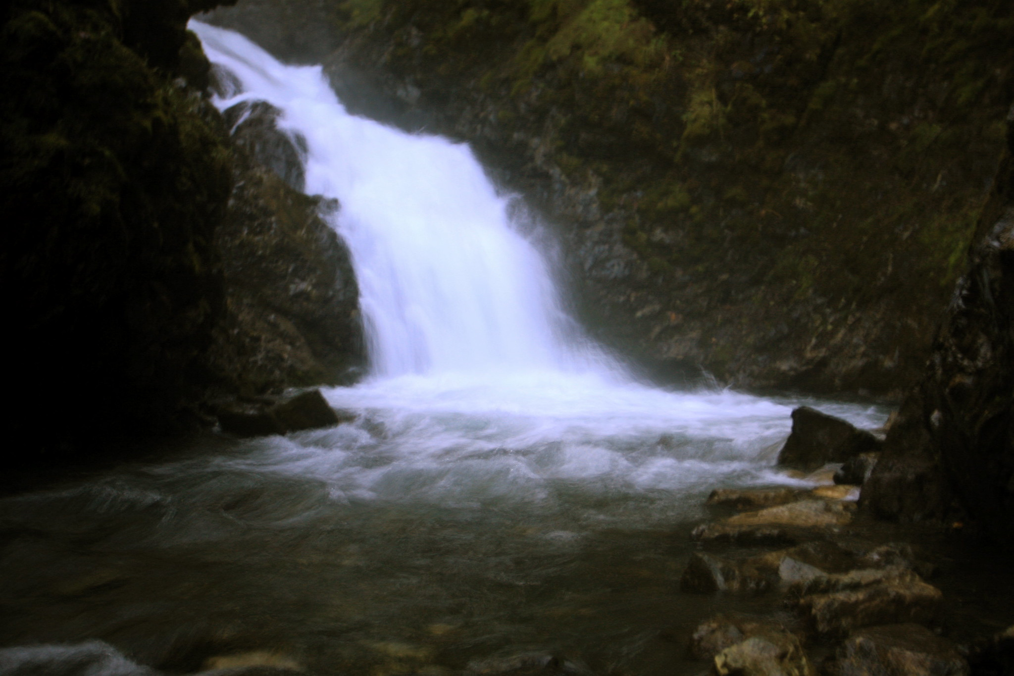 Beautiful Waterfalls Location in Anchorage-Thunderbird Falls