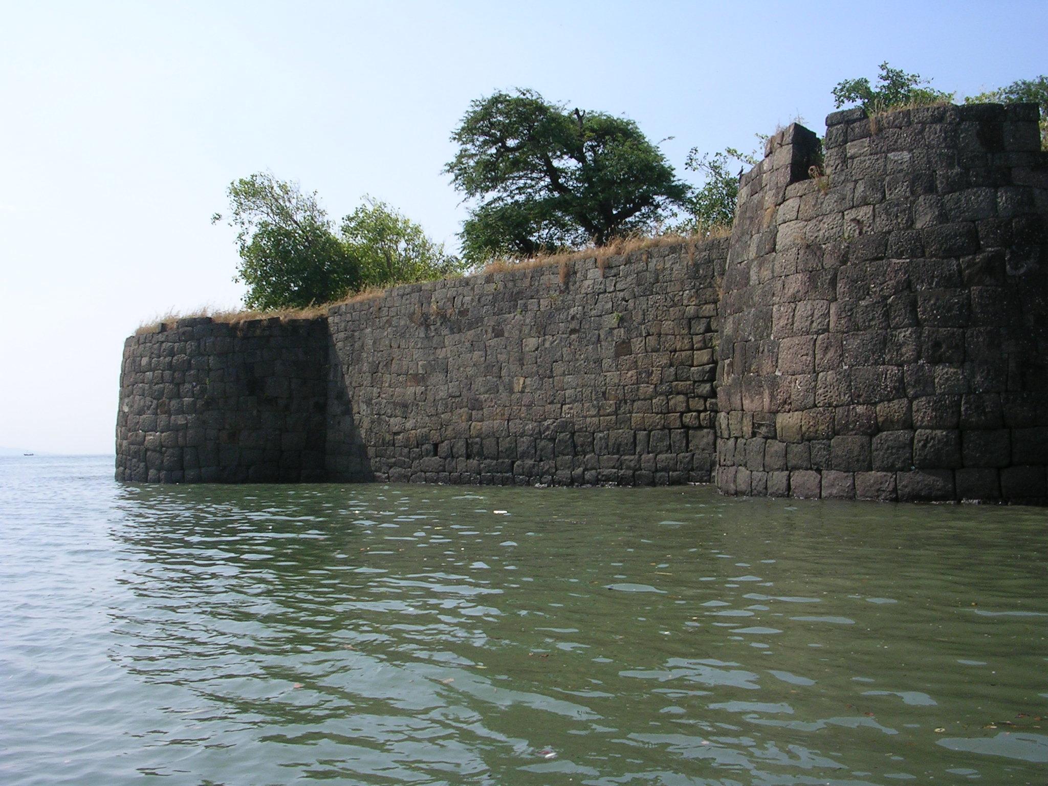 Tourist Experience of Kolaba Fort